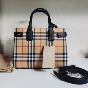 NEW Burberry Small Banner Bag